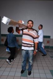 El molero (publicada en 2015) 21 El molero (2009) - Fotografía por Tristán Reyes - San Patricio Plaza (Guaynabo, PR).