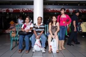El molero (publicada en 2015) 82 El molero (2009) - Fotografía por Tristán Reyes - Plaza del Caribe (Ponce, PR).