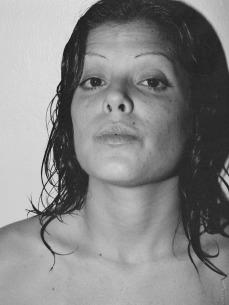 Ella también era... (2005), Lambda Print 30 x 40 in. sitios cosas gente (2006) - Exhibición fotográfica por Tristán Reyes