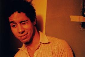 Mi hijo perdido, C-Print 24 x 36 in. en Mi viejo san juan (2003) - Exhibición fotográfica por Tristán Reyes