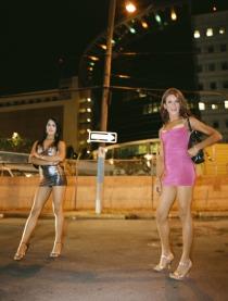 Santurce es ley #27 (2008), C- Print 54 x 66 in. Santurce es ley (2008) - Fotografía por Tristán Reyes