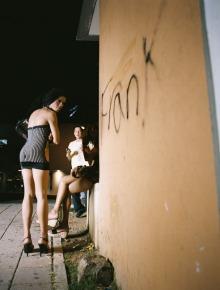 Santurce es ley #6 (2008), C- Print 54 x 66 in. Santurce es ley (2008) - Fotografía por Tristán Reyes